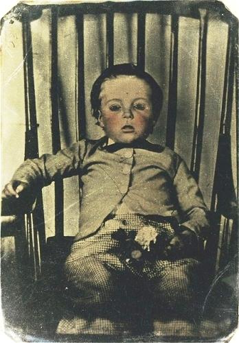 Memento Mori ~Victorian Era Postmortem Photography ...