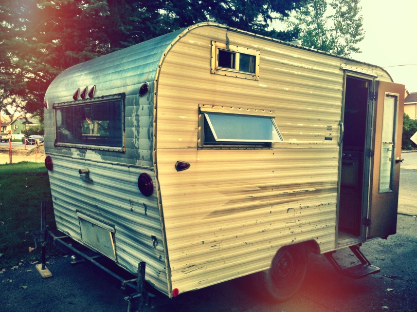 Renovating A Vintage 1969 Roadrunner Travel Trailer