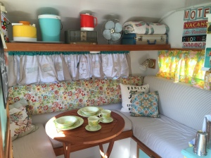 Dinette / bed area
